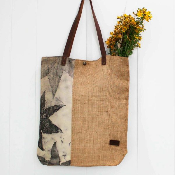 bolso-shopper-totebag-ecoprint-fibrasnaturales-algodon-bolsosdehombro-mujer-wul-tintesnaturales-yute-wul-AROA002