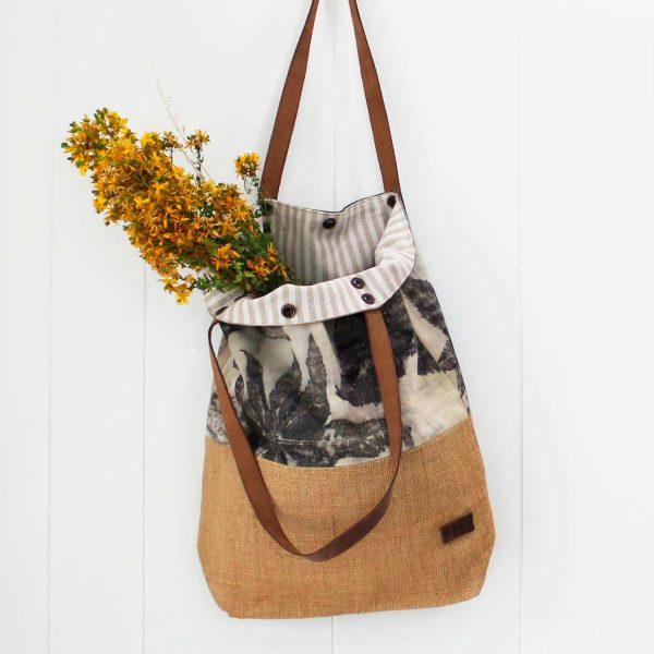 bolso-shopper-totebag-ecoprint-fibrasnaturales-algodon-bolsosdehombro-mujer-wul-tintesnaturales-yute-wul-AROA003