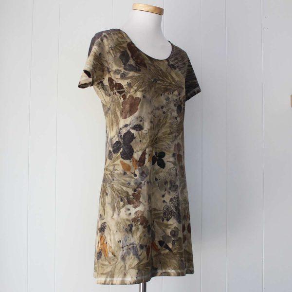 vestido-mujer-wul-ecoprint-algodon-organico-tintes-naturales-ropa-vegana-ecoimpresion-camisetasecoprint-estampacion-botanica-IBIZA003M