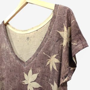 camiseta-mujer-wul-ecoprint-algodonorganico-tintesnaturales-ropavegana-ecoimpresion-camisetasecoprint-estampacionbotanica-UMA121M