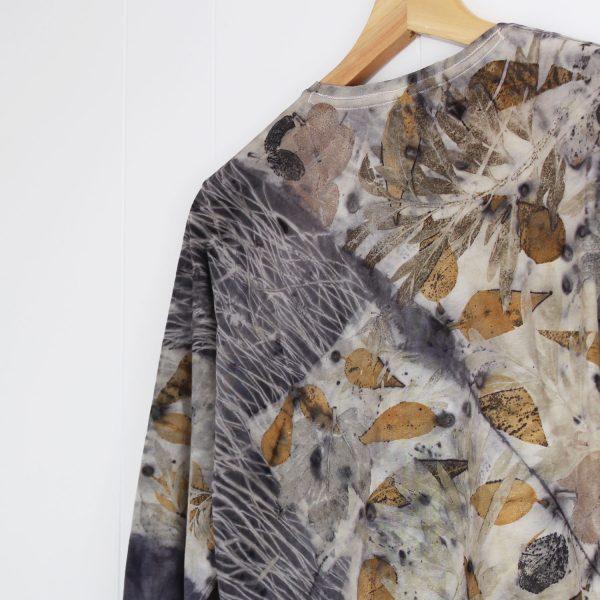 camiseta mujer estampado botanico ecoprint algodon sostenible